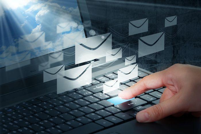 ¿Enviar emails sin conocer la dirección del destinatario?