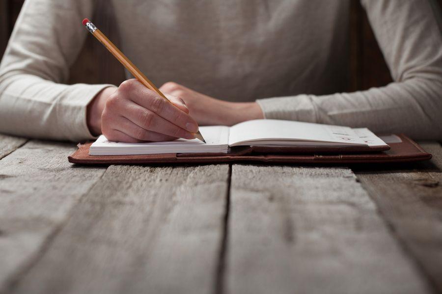 Mejor escribe a mano, aquí las razones para hacerlo
